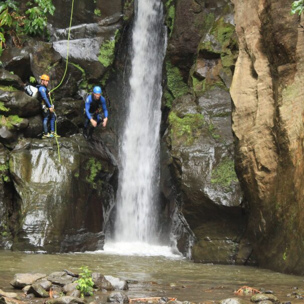 Azores, Canyoning Salto